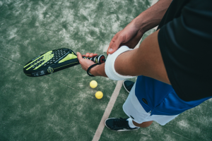 Read more about the article The Most Durable Best Pickleball Paddle for Beginners