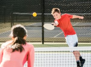 Read more about the article Best Pickleball Rackets for Improved Accuracy and Control