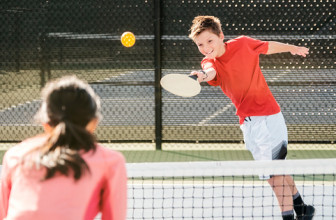 Best Pickleball Rackets for Improved Accuracy and Control